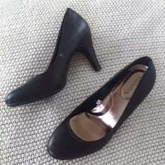 High Heel Shoes About 1/2-1 inch, very nice and comfortable, don't hurt, size 6 1/2 , been worn twice. Forever 21 Shoes Heels