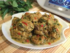 Chicken with Basil and Coconut Milk - THERMOMIX Basil Chicken, Marinated Chicken, Red Chili, Cooking Oil, Lemon Grass, Coconut Milk, Stuffed Peppers, Food, Thermomix