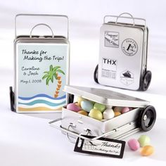 Mini Suitcase Favor Tins from #Beaucoup. These make perfect wedding favors for your destination weddings.