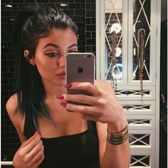Kylie Jenner Loves Mirror Pics More Than You See Her Best Mirror... ❤ liked on Polyvore featuring accessories, kylie jenner and kylie