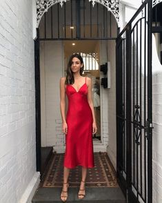Weekend ready in the Shona Joy 'Adonis' bias slip dress in Ruby 💃🏻 Available online now with Afterpay and ZipPay ✈️ Order now to receive by… Source by Dresses Satin Dresses, Prom Dresses, Gowns, Formal Dresses, Dress Outfits, Fashion Dresses, Dress Up, Red Silk Dress, Frack