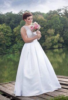 Reálna nevesta vo svadobných šatách zo Salónu Stefany One Shoulder Wedding Dress, Wedding Dresses, Fashion, Alon Livne Wedding Dresses, Fashion Styles, Weeding Dresses, Wedding Dress, Wedding Dressses, Fashion Illustrations