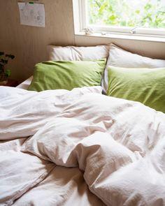 Vår sterke og langfibrede bomull er OEKO-TEX-sertifisert. Vårt sengetøy produseres bærekraftig ved hjelp av sol- og vannkraft i Portugal.