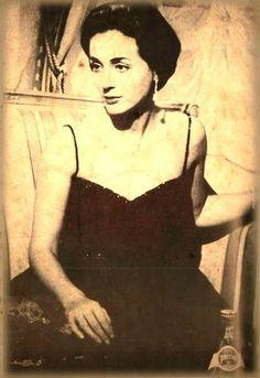 Ellie Lambeti