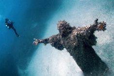Underwater statue of Jesus