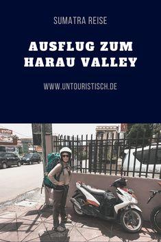 Traumhafte Kulisse auf Sumatra erleben?Harau Valley ist perfekt dafür! Alle Infos auf untouristisch.de Am Meer, Roadtrip, Juni, Ecards, Memes, Movie Posters, Haunted Forest, Driving Route Planner, Outdoor Adventures