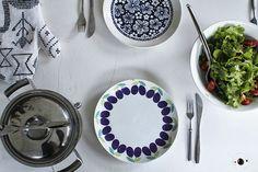 Varpunen. Old Arabia plates. (Luumu in this)