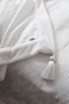 Lennol Oy May-torkkupeite Textile Business, Vision Statement, Cotton Throws, Bed Covers, Classic White, Bed Spreads, Decorative Pillows, Textiles, Luxury
