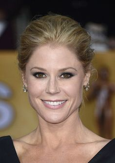 Get the Look: Julie Bowen at the 2013 SAG Awards in Avon www.youravon.com/brouleau