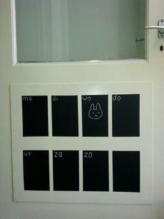 Weekplanner met schoolbordverf op de deur!