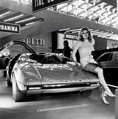 fabforgottennobility:  Italdesign VW Porsche Tapiro, based on 914                                                                                                                                                                                 Mehr