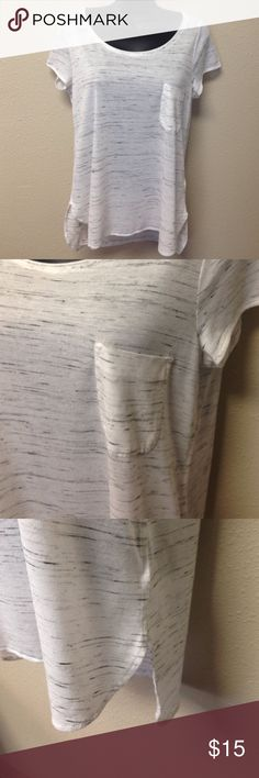 """White & Black Oversized Hi-Low Tee Great used condition.  White and black oversized tee with short sleeves, chest pocket, scoop neck, hi-low hem, slightly sheer.  Approx measurements laying flat: chest 18.5"""", front length 24"""", back length 26"""". H&M Tops Tees - Short Sleeve"""