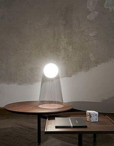 Foscarini Satellight tafellamp - Italiaanse weken bij Interieur Paauwe in Zonnemaire (Zeeland)