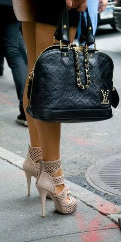 Amazing shoes & bag! #LV