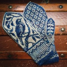 Crochet Patterns Diagram PDF Knitting Pattern Songbird Mittens by EricaHeusserDesigns Cast On Knitting, Fair Isle Knitting, Knitting Charts, Knitting Machine, Free Knitting, Vintage Knitting, Knit Mittens, Knitted Gloves, Knitting Socks