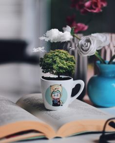 Via @gdnzylmz  #worldsuniquedesigns #loveit #fav #tree #book #bookblogger #love #cute #clouds #magic #likereally #booklover #cup #cutecup #roses #likepost #likelikelike