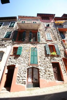 Property for sale in Liguria, Imperia, Isolabona, Italy - http://www.italianhousesforsale.com/view/property-italy/liguria/imperia/isolabona/6631825.html