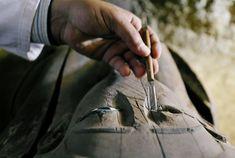 Lo spettacolo dell'Antico Egitto, con sarcofagi colorati con gli occhi splendenti e quasi vitali, centinaia di statuette e uno spettacolo che non si vede