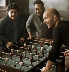 This is Epic! Three Great Footballers of Three Great Eras of #Football, Playing Together at One Table.    Diego Maradona,    Zinedine Zidane and the One and Only Pele