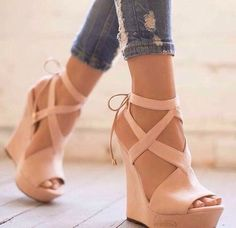 Shared by 2LUSI2. Find images and videos about fashion, shoes and heels on We Heart It - the app to get lost in what you love.