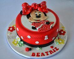Minnie - by bokinhasdechocolate @ CakesDecor.com - cake decorating website