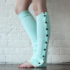 cute leg warmers - maybe use old sweaters?