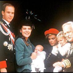 Thirty years ago. #albertdemonaco #princealbertofmonaco #carolinedemonaco #princesscarolineofmonaco #stephaniedemonaco #princessstephanieofmonaco #rainierdemonaco #princerainieriii #andreacasiraghi #charlottecasiraghi #monaconationalday #Monaco
