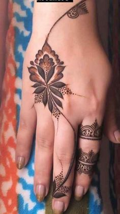 Asian New Henna Designs Today, Mehndi is exceptionally prevalent in Eastern nations. Indeed, now in the west, it is more prevalent and it is otherwise called henna tattoos. In east nations, mehndi is applied on hands and feet. Floral Henna Designs, Finger Henna Designs, Back Hand Mehndi Designs, Henna Art Designs, Modern Mehndi Designs, Mehndi Designs For Beginners, Mehndi Designs For Fingers, Mehndi Designs For Hands, Mehandi Designs