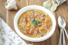 hearty vegetable minestrone soup