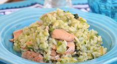 [ Risotto au saumon et aux courgettes WW WW salmon and zucchini risotto, a tasty creamy and well-scented risotto easy and simple to make for a convivial meal. Roasted Garlic Brussel Sprouts, Roasted Bacon, Healthy Brussel Sprout Recipes, Healthy Salad Recipes, Baked Salmon Recipes, Bacon Recipes, Primal Recipes, Cooking A Stuffed Turkey, Zucchini