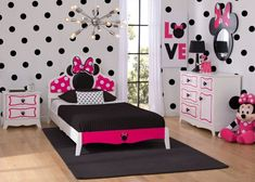 Kids love themed bedroom sets - and this Disney Minnie Mouse Twin Bedroom Collection is about as magical as they get! With plenty of pink accents, an abundance of bows, and just the right amount of po Princess Bedrooms, Disney Bedrooms, Teen Girl Bedrooms, Little Girl Rooms, Twin Bedroom Sets, Princess Room, Small Bedrooms, Bedroom Themes, Bedroom Decor