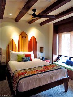 Polynesian Bora Bora Bungalow, Second Bedroom Hawaiian Bedroom, Hawaiian Home Decor, Hawaiian Homes, Dream Bedroom, Room Decor Bedroom, Living Room Decor, Surf Room, Condo Decorating, Elegant Homes