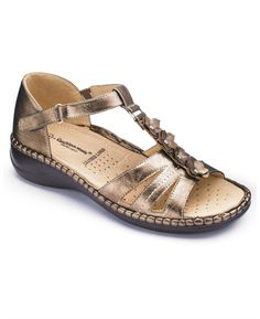 71749f78b7f2  39.95 - shoes that fit my wide feet from Marisota.com - they have widths