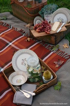 Fall Picnic with Spinach Salad with Pears, Gorgonzola, and Walnuts and ...