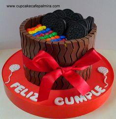 Chocolate, Oreo y M&M Cake