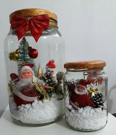 Here are 16 awesome ideas for diy Christmas decorations. Mason Jar Christmas Crafts, Christmas Centerpieces, Mason Jar Crafts, Christmas Items, Holiday Crafts, Vintage Christmas, Christmas Decorations, Christmas Ornaments, Theme Noel