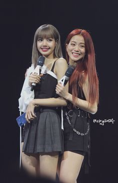 Kpop Girl Groups, Korean Girl Groups, Kpop Girls, Yg Entertainment, Blackpink Youtube, Blackpink Twice, Pops Concert, Blackpink Photos, Jennie Blackpink