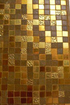 Gold. Tile. #whytile #goldenglobes