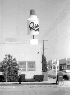 The Reddi-Wip Building, located at 8025 Melrose Avenue on the northeast corner of Melrose and Laurel Avenue where Cisco Home is today (ca. Shoe Advertising, Advertising Signs, Vintage California, California Dreamin', Melrose Avenue, Unique Restaurants, Roadside Attractions, Shoe Boutique, Ol Days