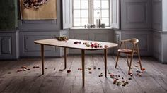 Yacht dining table 210 cm Glismand & Rüdiger Top in white laminate Legs in oak