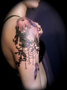 Nice shoulder flowers piece.  I would just make the black lace part white instead.