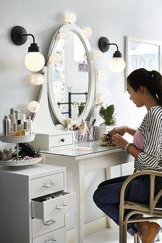 Idea de decoración de IKEA para la habitación de una adolescente