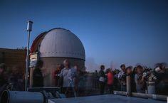 Crédit photo Overprod. Observatoire astronomique de Chinon Gate, Photos, Clouds, Travel, Astronomical Observatory, Astronomy, Night, Pictures, Photographs