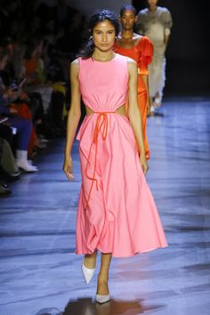 Prabal Gurung Spring 2019 Ready-to-Wear collection, runway looks, beauty, models, and reviews.