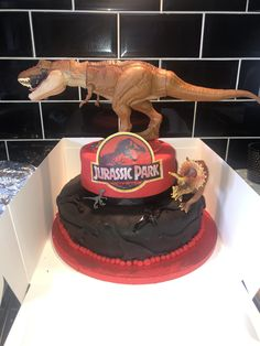 Jurassic world park dinosaur cake birthday boy Cake Birthday, Boy Birthday, Dinosaur Cake, Jurassic World, Cakes, Park, Desserts, Food, Tailgate Desserts