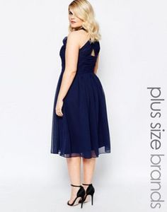 Платье миди с глубоким вырезом и перекрестом сзади Forever Unique Plus