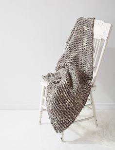 Yarnspirations.com - Bernat Cushy Garter Blanket -  beginner Patterns  | Yarnspirations