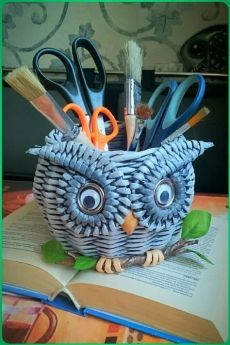 VK is the largest European social network with more than 100 million active users. Owl Crafts, Wire Crafts, Diy And Crafts, Arts And Crafts, Cardboard Paper, Diy Paper, Paper Art, Newspaper Basket, Newspaper Crafts