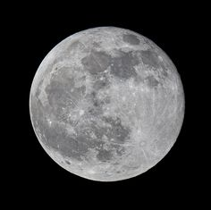 The Moon Tonight - April Easter Day tomorrow, doesn't get much fuller than this. The Moon Tonight, Moon Pictures, Super Moon, Monday Night, Months In A Year, Bright, Nasa, Mercury, Bro