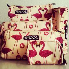 Sweet #flamingo #moostrends #fashion #flamingomoos #neceser #neceseresmoos #complementos #complementosmoos